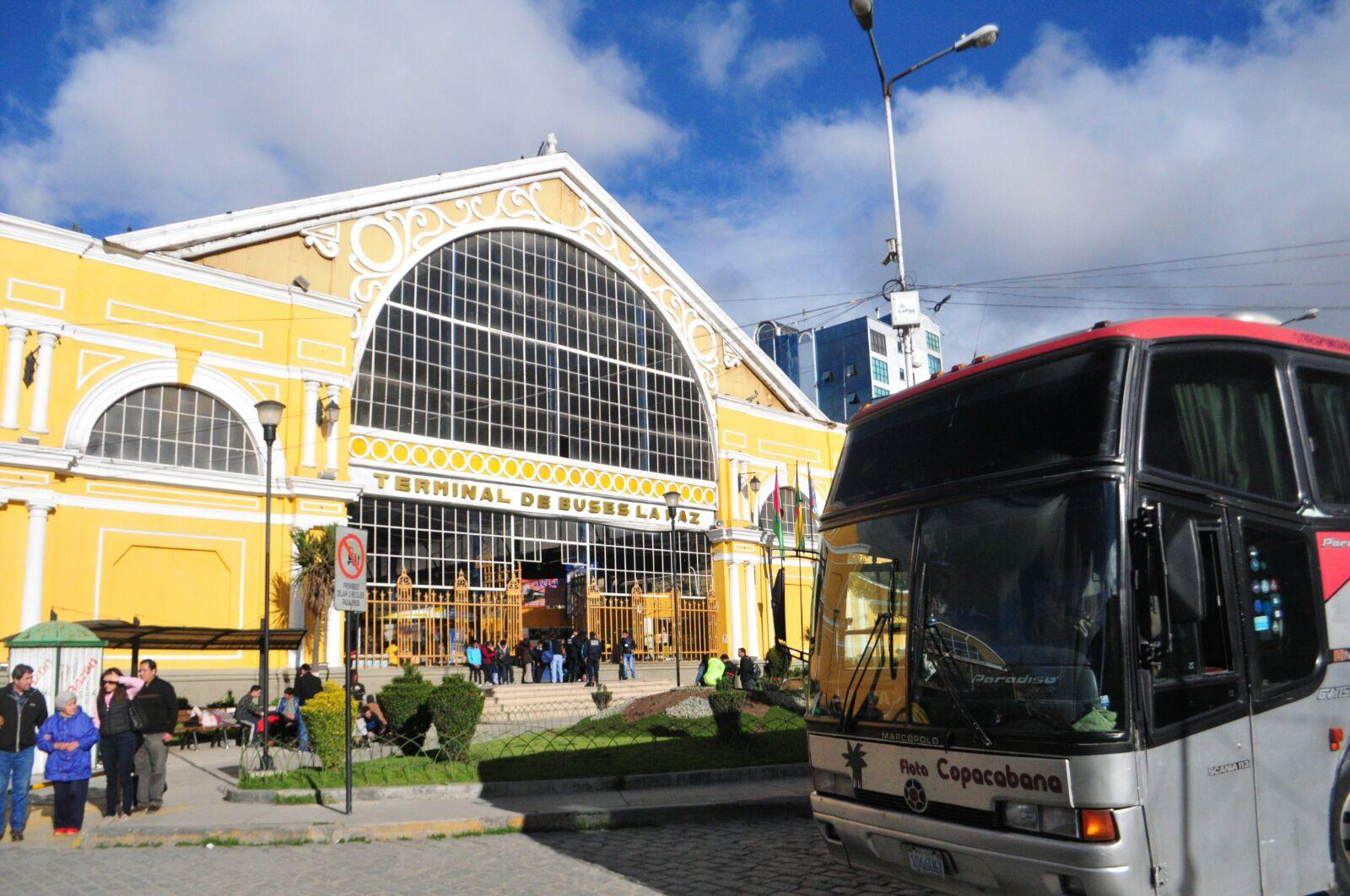 Terminal de buses de La Paz reanuda sus viajes a Oruro