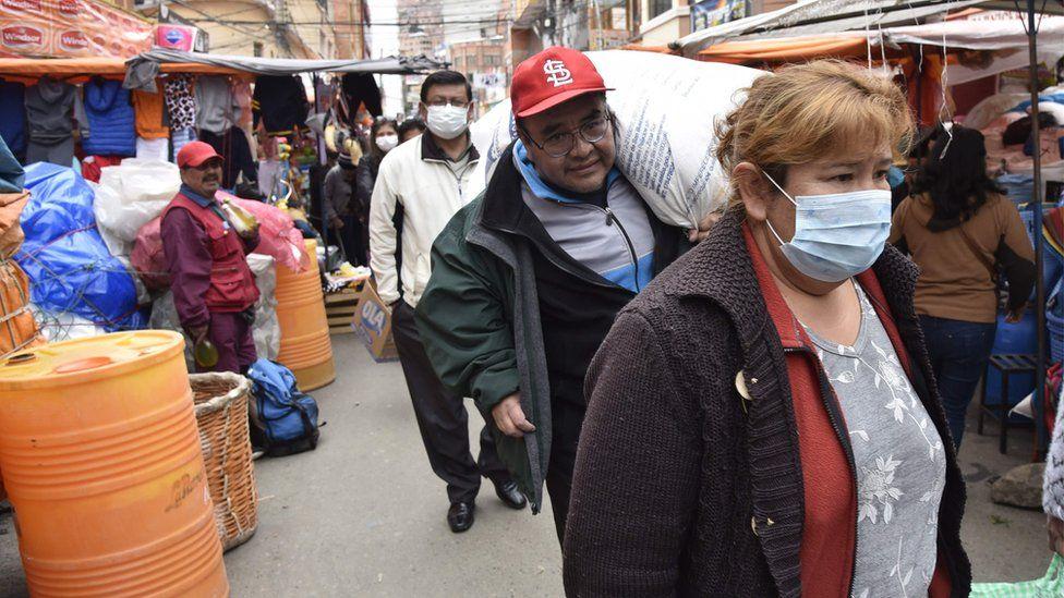 Alcaldía cerrará 3 mercados de La Paz como medida de prevención
