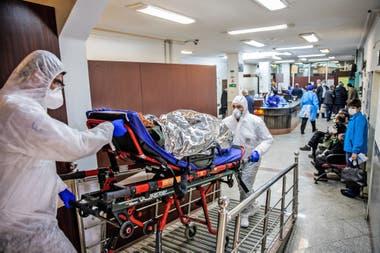 FELCC investiga denuncias contra clínicas que presuntamente solicitan hasta Bs 100.000 de garantía a pacientes con COVID-19