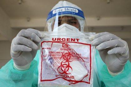 Malasia detecta cepa de coronavirus 10 veces más contagiosa