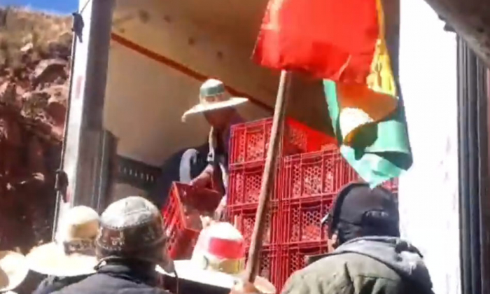 Transportistas exigen intervención de la Defensoría tras el saqueo de mercadería realizado por bloqueadores