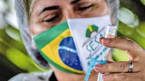 Denuncian vacunación fraudulenta en Brasil