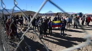 Incrementa el cruce irregular de migrantes venezolanos en la frontera Bolivia-Chile