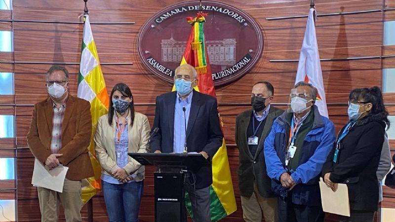 CC presenta recurso para anular el cambio del escudo nacional por la cruz Chacana en la imagen del Gobierno