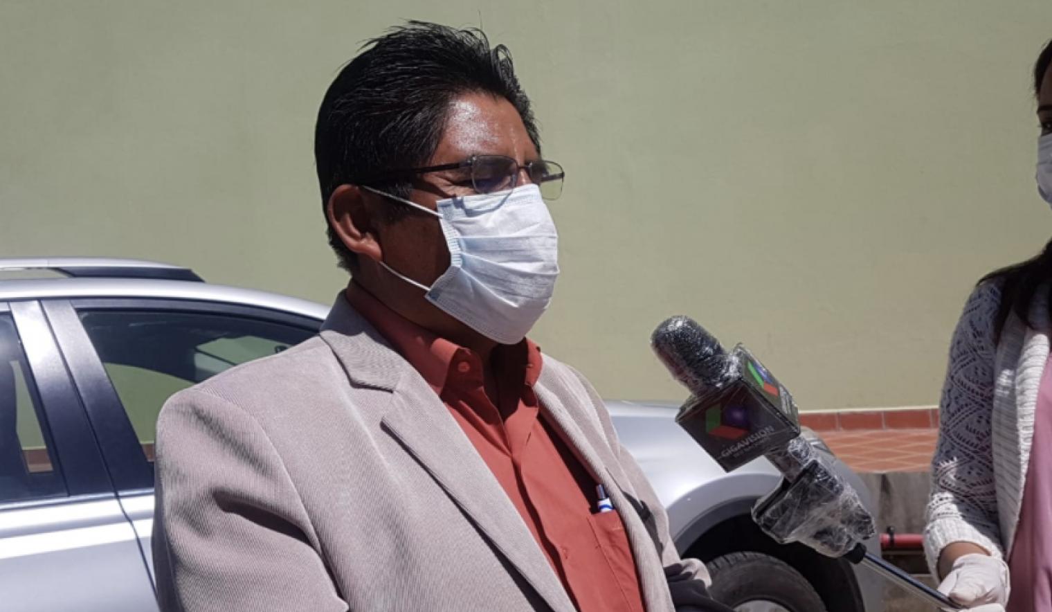 """Patzi asevera que las autoridades subnacionales están """"atadas de mano"""" para la adquisición de vacunas"""
