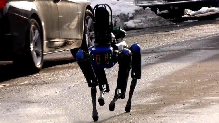 Policía de Nueva York comienza a usar un perro robot para hacer patrullajes