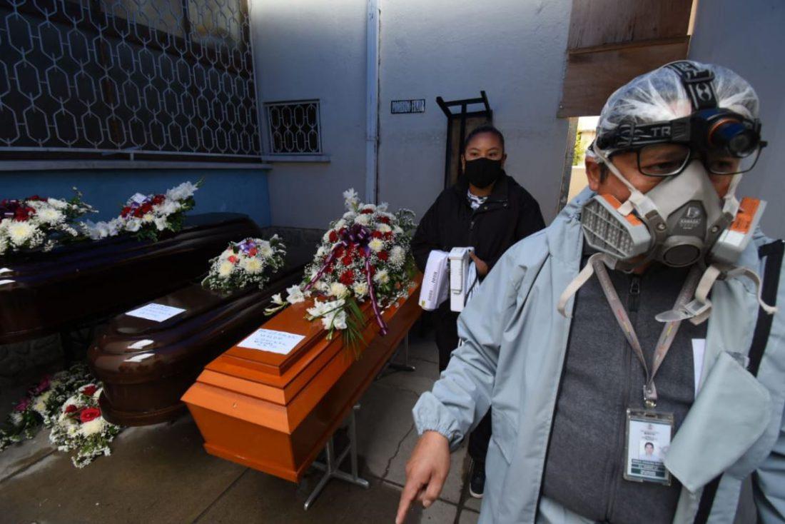 Hallan irregularidades en funerarias de La Paz