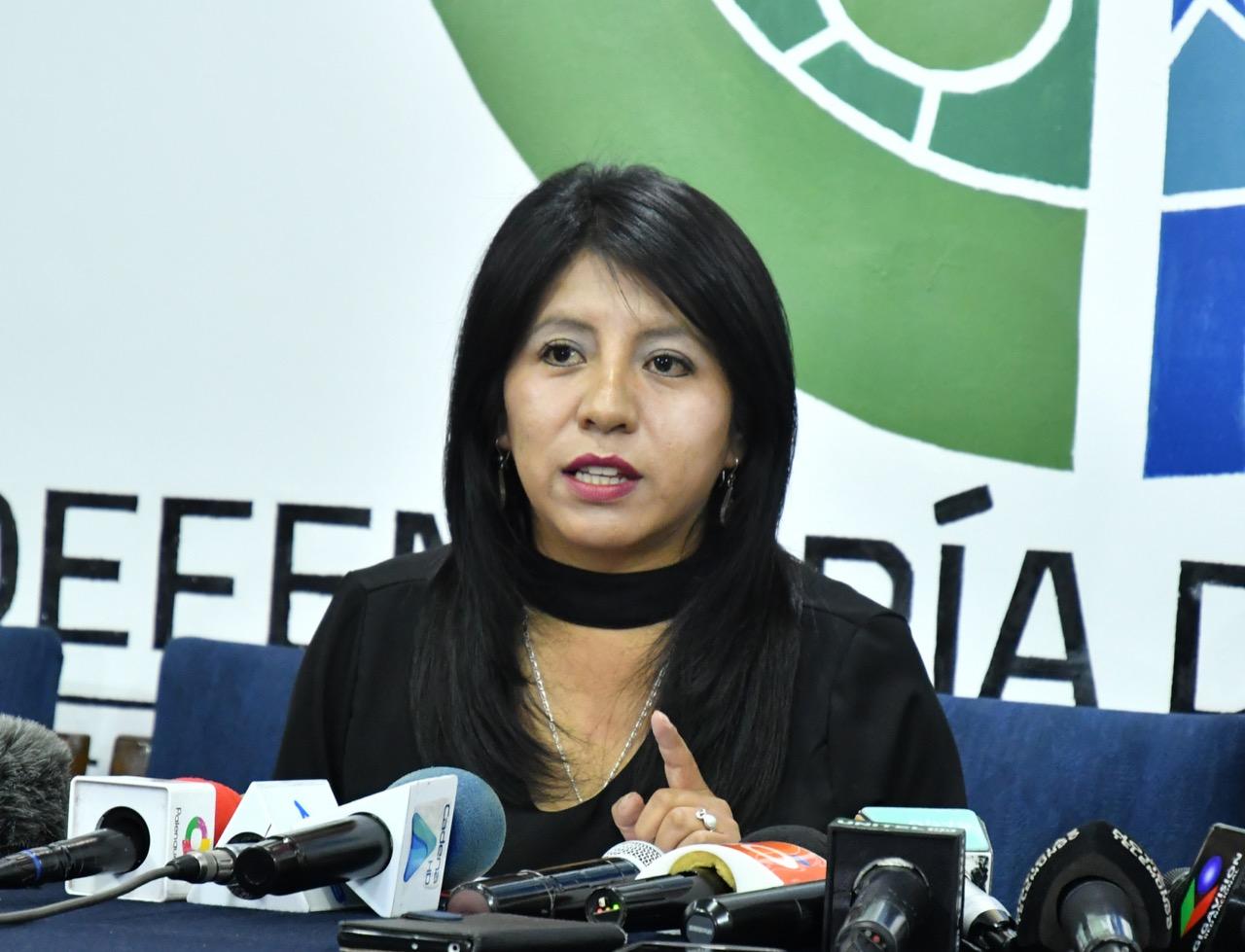 """Defensora del Pueblo denuncia """"actitudes delincuenciales"""" de clínicas privadas"""