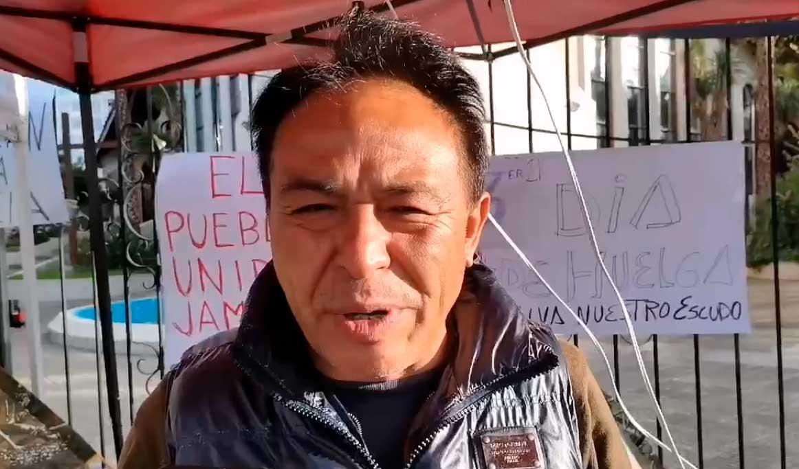 Candidato a la Gobernación de Cochabamba lleva su tercer día de huelga de hambre en defensa del escudo nacional