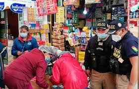 Policía detecta irregularidades en la venta de medicamentos y oxígeno