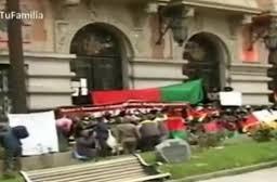 Trabajadores de Emaverde protestan en puertas de la Alcaldía por el pago de beneficios adeudados
