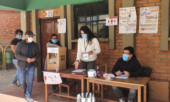 Más de 7,1 millones de bolivianos acuden a las urnas para elegir 4.962 autoridades subnacionales