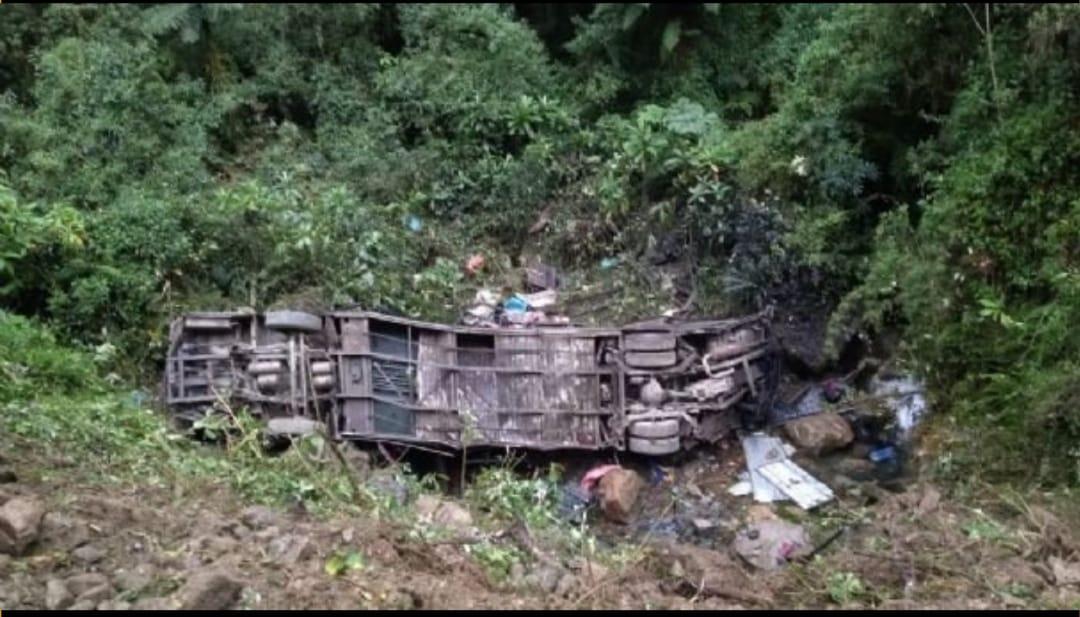 Accidente de tránsito en la carretera Cochabamba – Santa Cruz deja 21 fallecidos