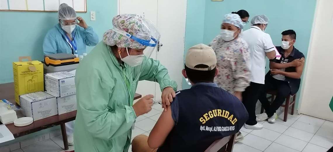 Ministerio de Salud anuncia que enviará las 47.000 dosis de vacunas solicitadas por Santa Cruz
