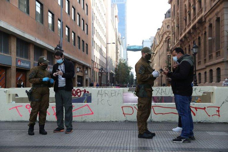 Chile amplía la cuarentena estricta a toda la región metropolitana de Santiago