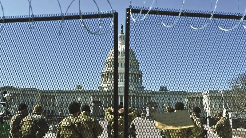 Las amenazas de seguridad mantienen al Capitolio como una fortaleza vallada