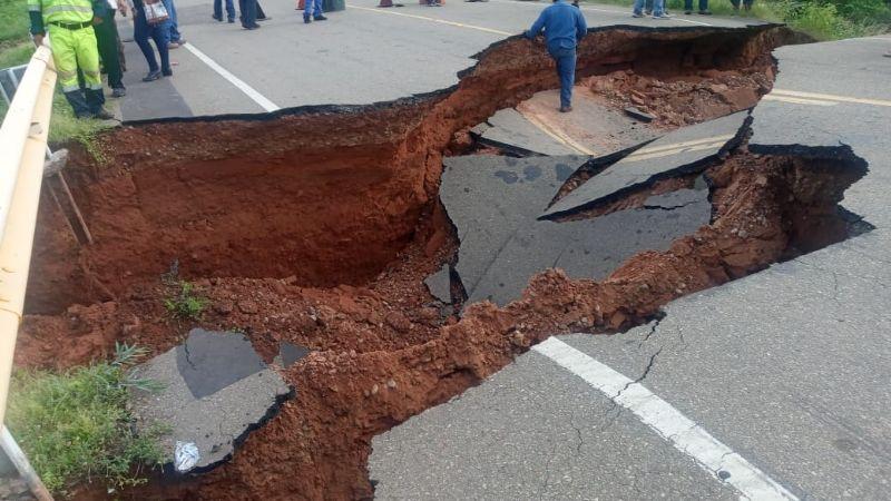 Reportan hundimiento de la capa de asfalto en la ruta Yacuiba-Villamontes