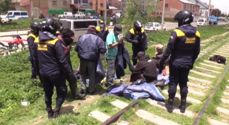Desalojan a bebedores recurrentes de espacios públicos de la urbe alteña