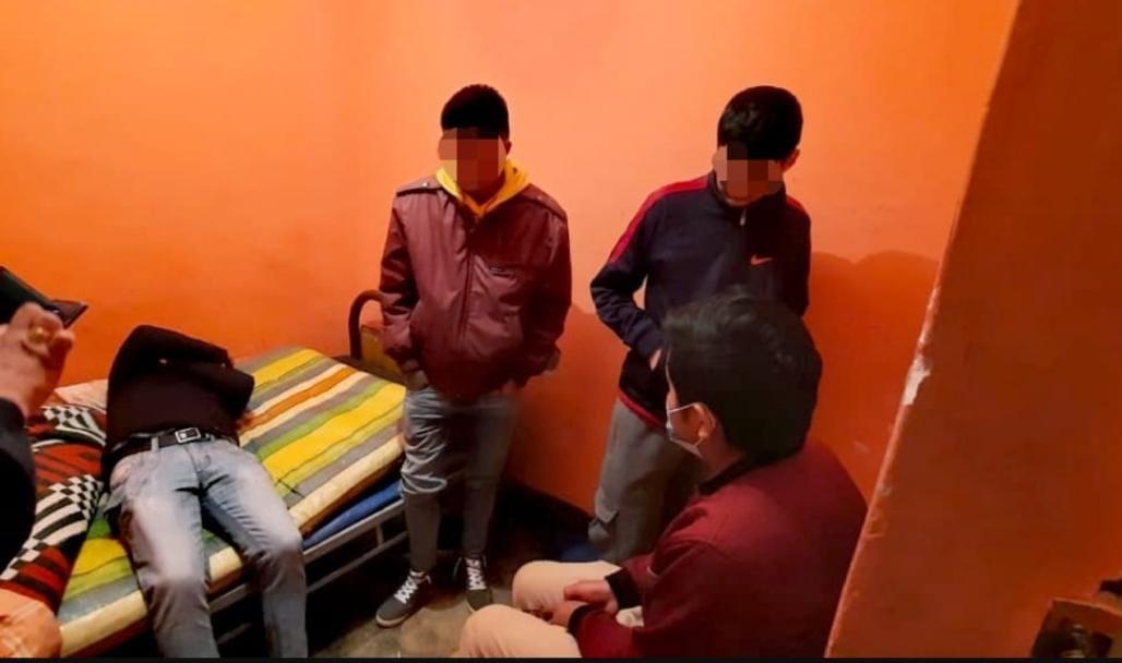 Aprehenden a cuatro personas por corrupción de menores en La Paz