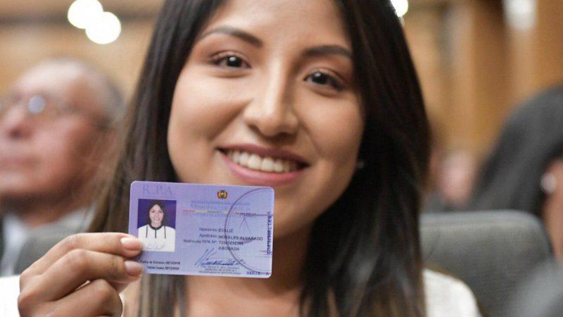 Denuncian que la hija de Evo Morales fue vacunada pese a que no estaba habilitada para recibir el fármaco