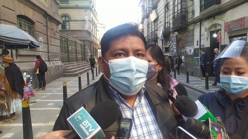 """Exministro Huallpa revela que se había formado un """"mini gabinete"""" en la gestión de Añez"""