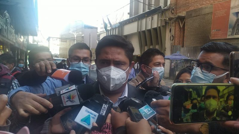 Exministros Mercado y Navarro se presentan para declarar en el caso gases lacrimógenos