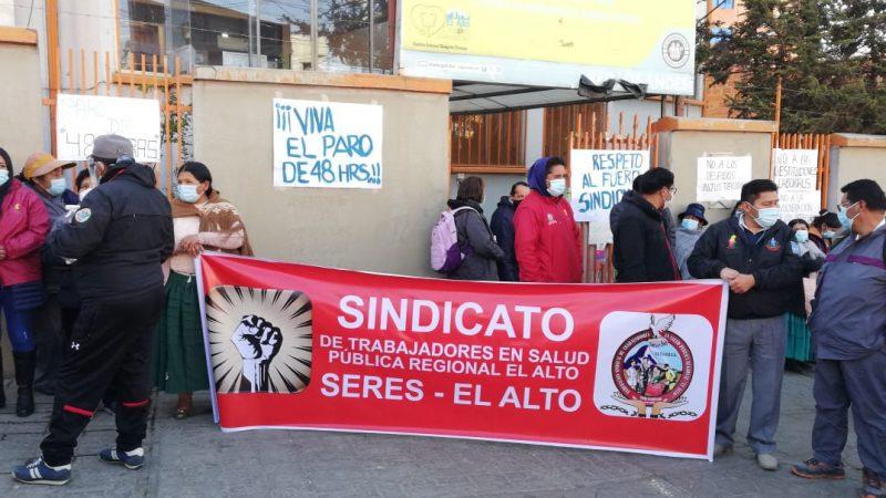 Trabajadores de salud de El Alto inician paro para exigir la restitución del personal despedido irregularmente