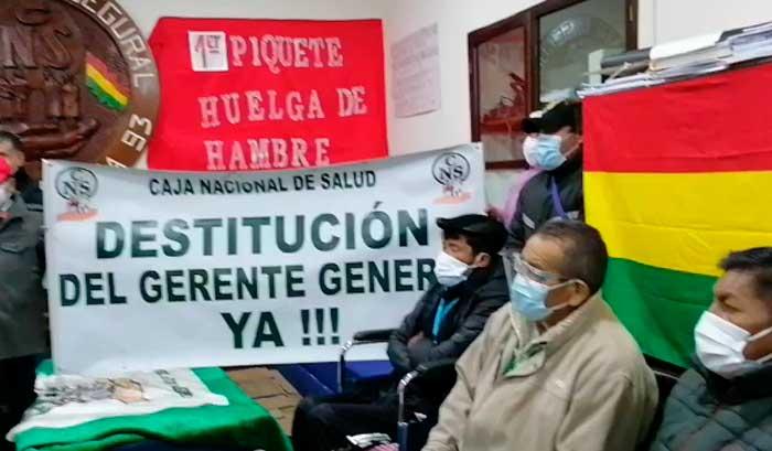 Asociación de dializados inicia huelga para pedir la renuncia de la gerente de la CNS