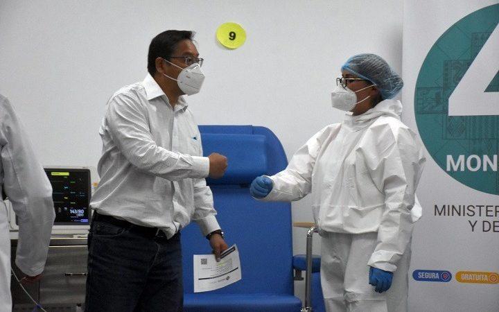 Arce aprueba decreto que habilita la compra directa de vacunas