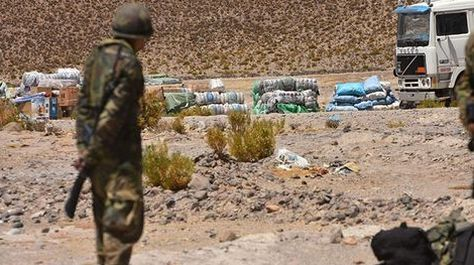 Gobierno admite que contrabandistas poseen equipo sofisticado superior al de las Fuerzas Armadas de Bolivia