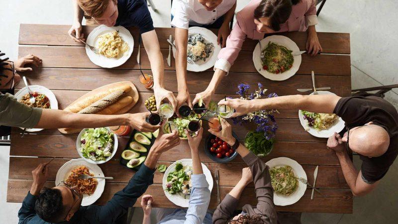 El COVID19 se propaga más en reuniones familiares