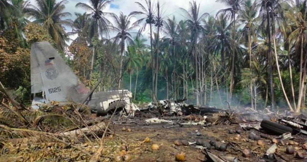 Sube a 45 la cifra de muertos en accidente de avión militar en Filipinas