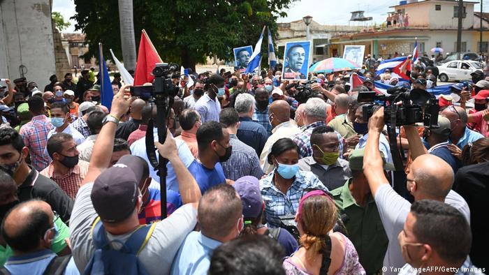 """Arce denuncia un """"ataque extranjero"""" contra Cuba y califica de """"desestabilizadoras"""" las protestas"""