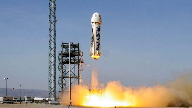 El primer vuelo tripulado de la nave Blue Origin es un éxito