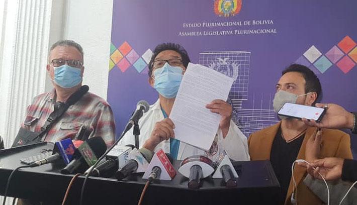 Médicos dan siete días al Gobierno para abrogar la ley 1359 y amenazan con movilizaciones