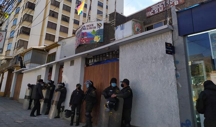 Arrestan a más de 10 personas tras un enfrentamiento en la Csutcb