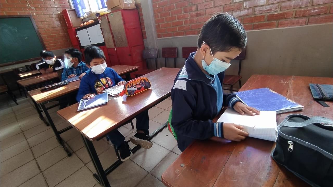 Anuncian clases semipresenciales en las laderas de La Paz y El Alto