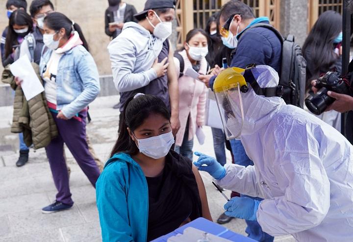 Advierten que gran parte de la población rechaza ser vacunada y solo el 60% del personal de salud está inmunizado