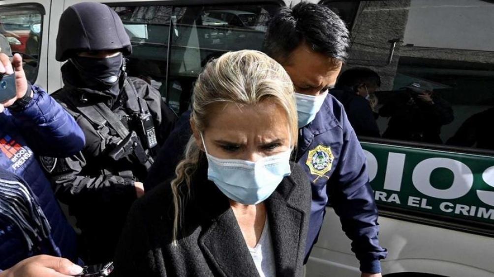 Defensa de Añez presenta más de 200 elementos de prueba para solicitar que la expresidenta se defienda en libertad