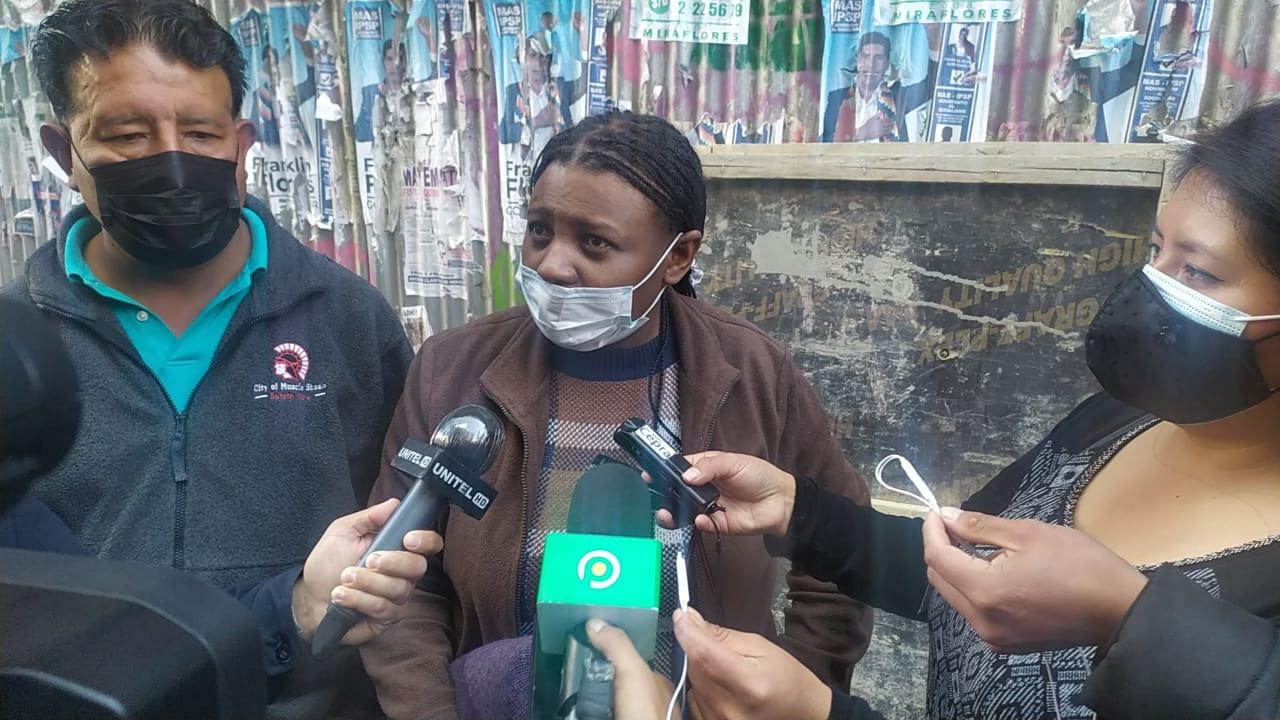 Elena Flores informa que esta tarde se reunirán ambos sectores de Adepcoca para la organización de sus elecciones