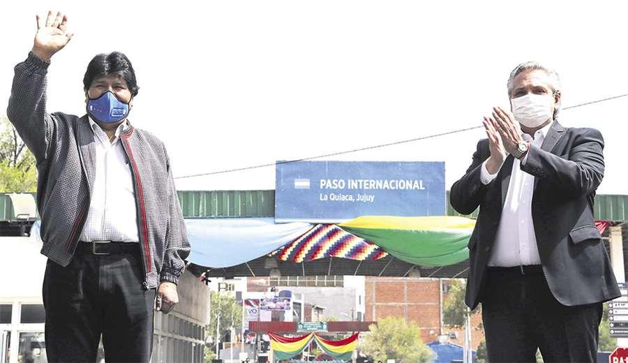 Argentina envió gendarmes y material antidisturbios para proteger su embajada