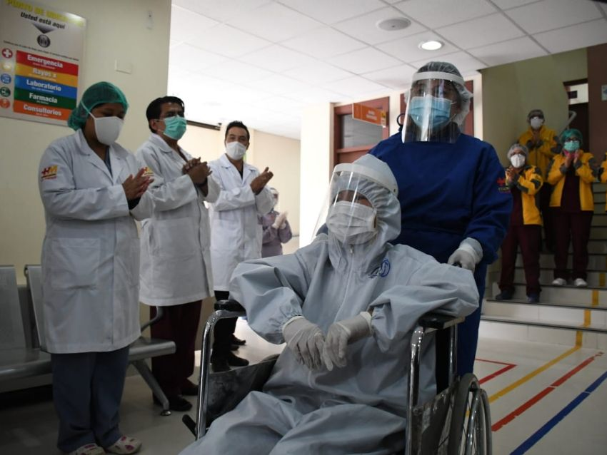 Sobrevivientes del virus se unen para conseguir un centro postcovid-19