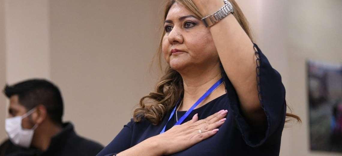 Gerente de la Caja Nacional de Salud afirma que no renunciará y que Arce Catacora debe tomar esa decisión