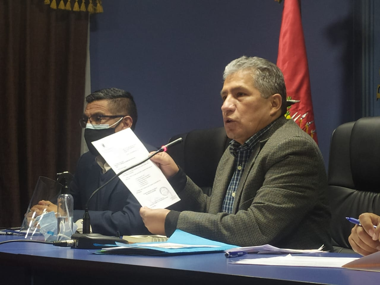 "Novillo: Nombre de suboficial que recibió ""material bélico"" argentino figura en un documento"