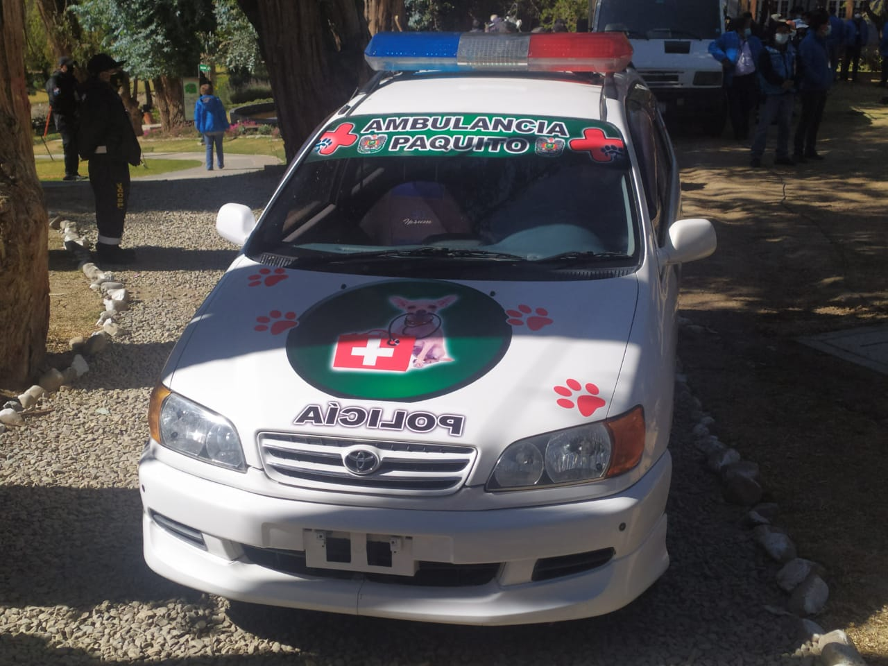 Arce entrega ambulancias a Pofoma por la festividad de San Roque