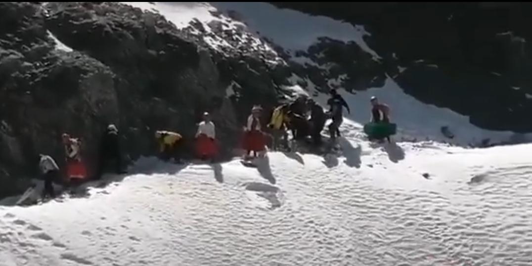 Practicante de ski fallece tras sufrir una caída de 200 metros en Charquini