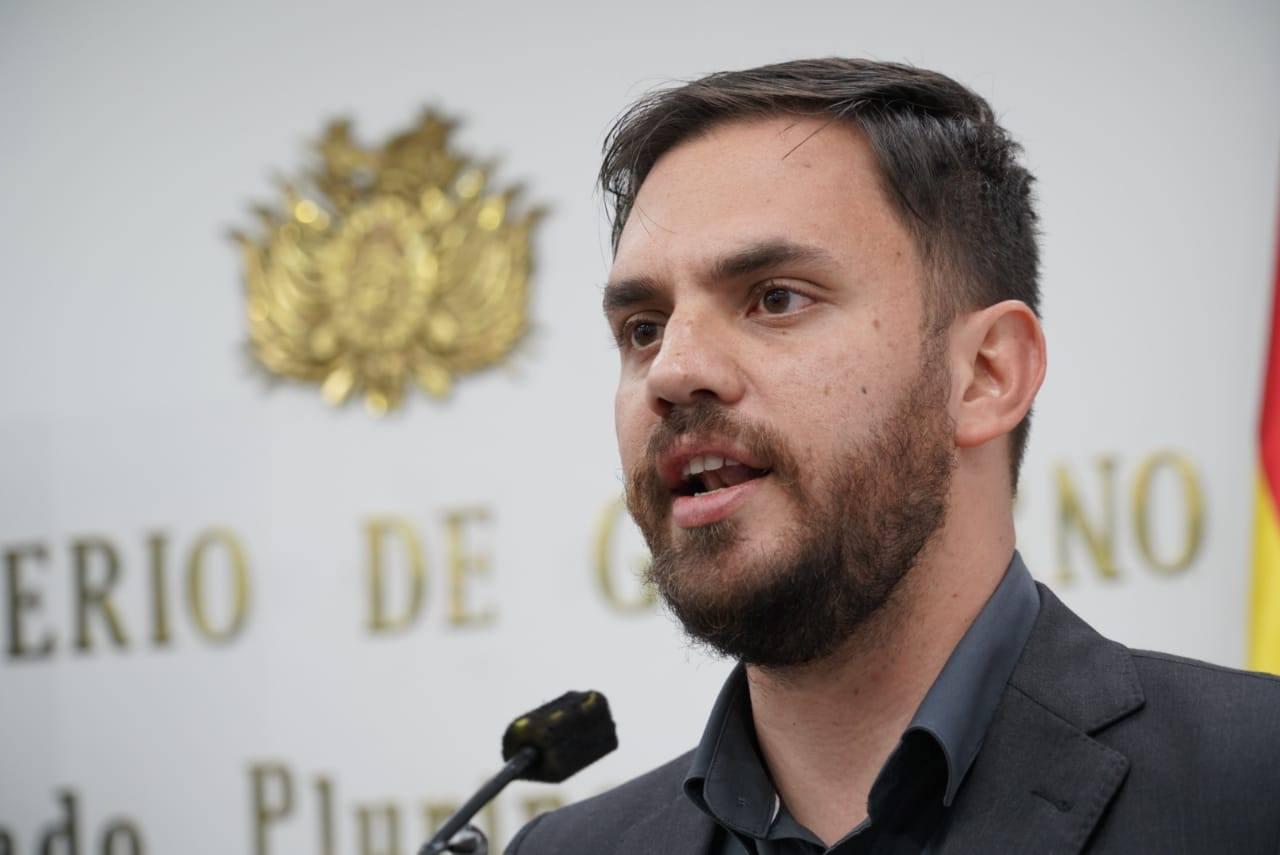 Ministro de Gobierno admite que durante la gestión de Morales hubo vulneración de derechos