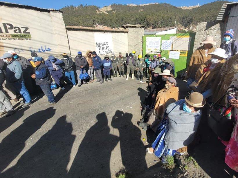 Trabajadores del matadero municipal inician paro indefinido por falta de pago de sueldos