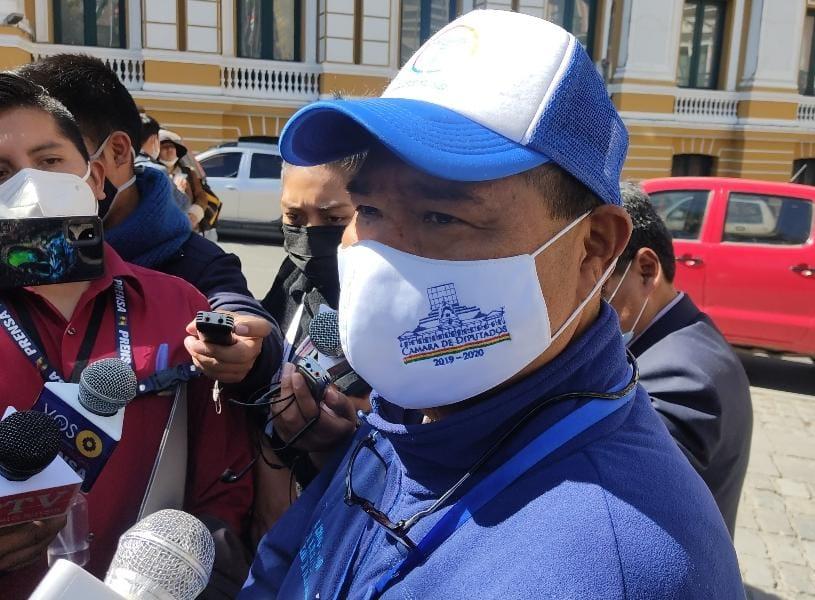 Expresidente de Diputados asevera que aceptó el gobierno de Añez bajo amenazas