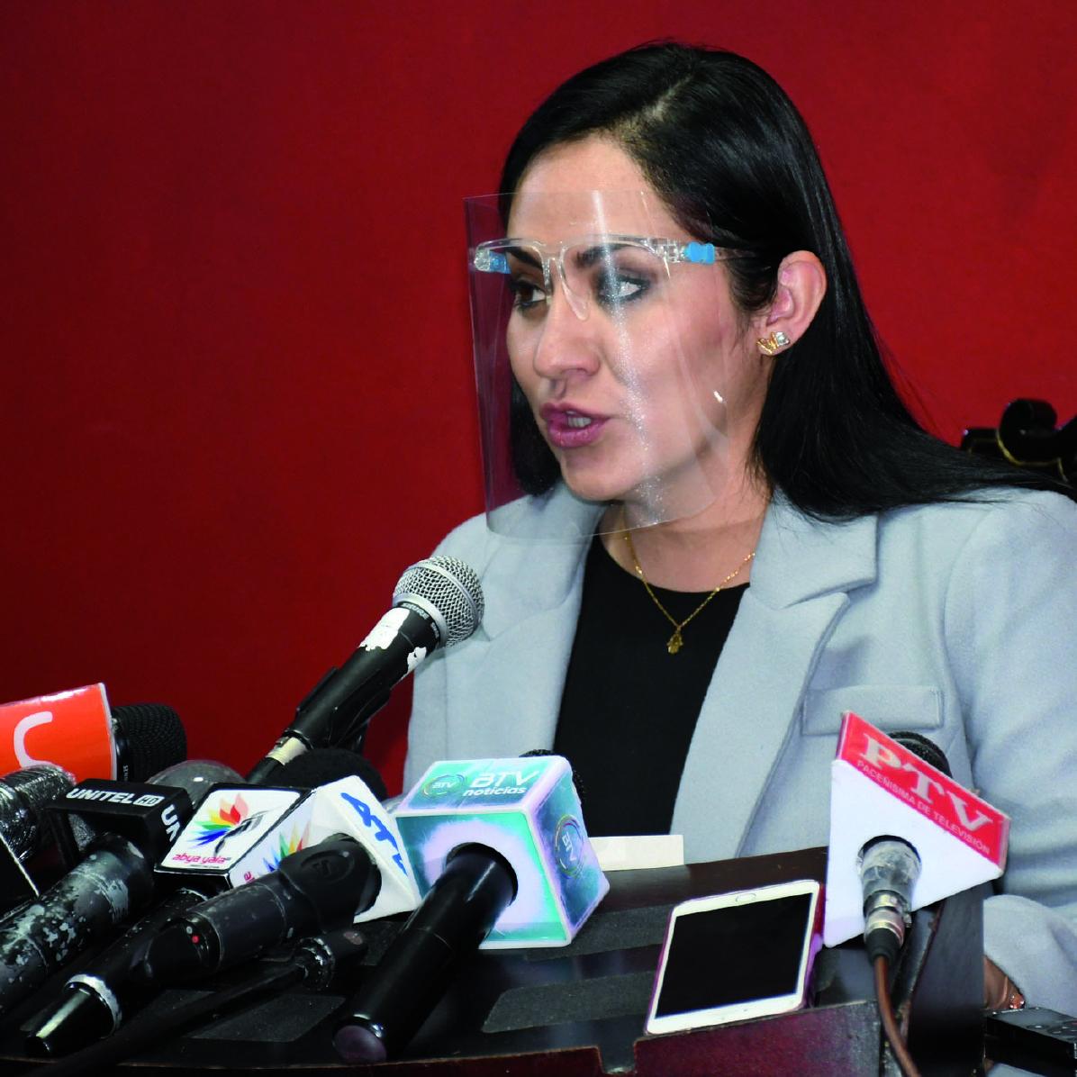 Diputada de CC denuncia que el MAS intentó sobornarla para apoyar el juicio contra Añez